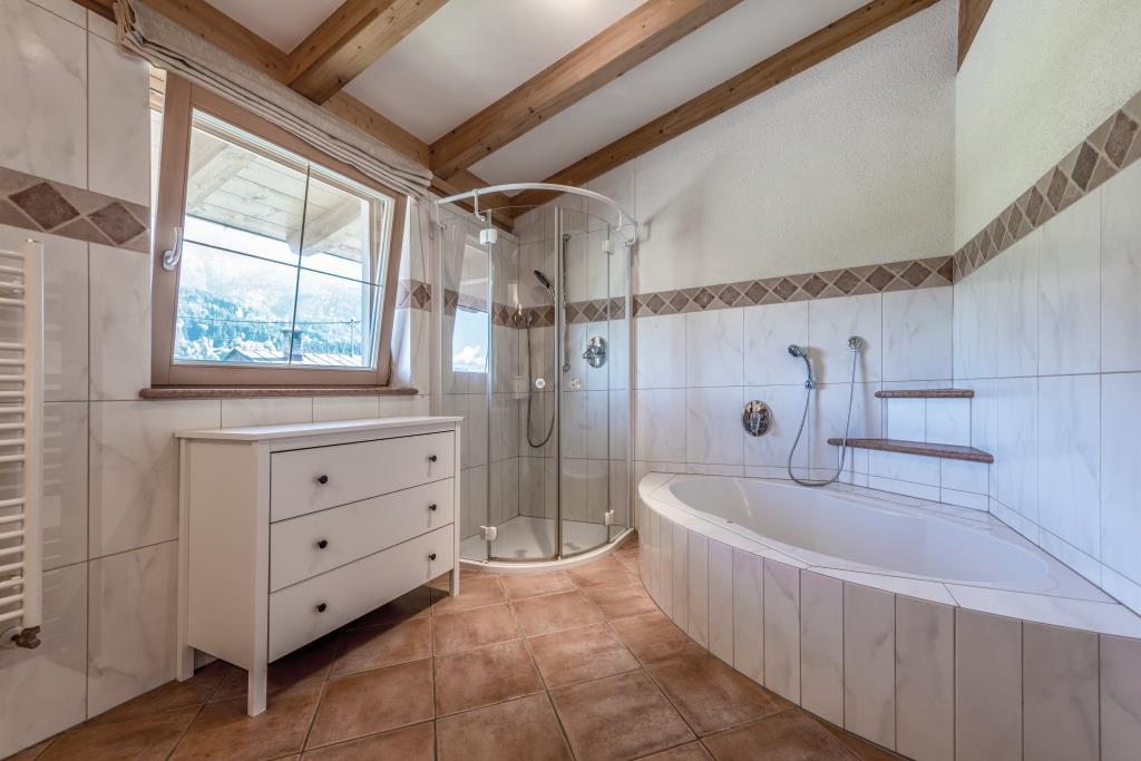 Whg. 2 Badezimmer
